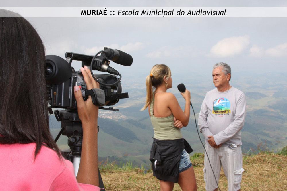 """aq_block_1-A """"Escola de Audiovisual Carlos Scalla"""" é uma iniciativa pública pioneira em Minas Gerais, promovida pela FUNDARTE - Fundação de Cultura e Artes da Prefeitura Municipal de Muriaé."""